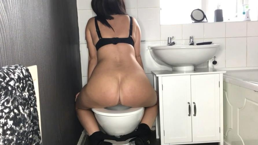 Toilet Amateur Shitting, Self Filmed - Special #1045 (FullHD 1920x1080)